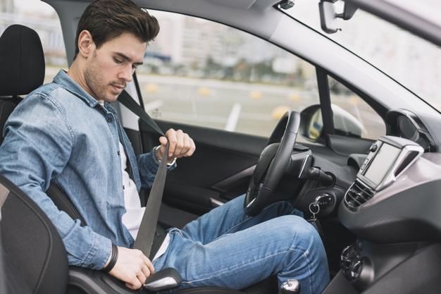 کمربند ایمنی در آزمون عملی رانندگی