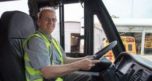 درآمد یک راننده اتوبوس در کانادا